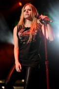Аврил Лавин, фото 13891. Avril Lavigne Y-100 Jingle Ball at the BankAtlantic Center in Sunrise (10.12.2011), foto 13891