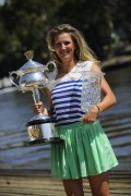 Виктория Азаренко, фото 222. Victoria Azarenka Posing with the Australian Open Trophy along the Yarra River in Melbourne - 29.01.2012, foto 222