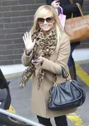Эмма Бантон, фото 2270. Jan. 23th - London - Emma Bunton Leaving ITV Studios, foto 2270
