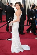 Милла Йовович, фото 2016. Milla Jovovich 84th Annual Academy Awards - February 26, 2012, foto 2016