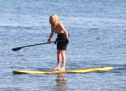 Рэйчел Хантер, фото 435. Rachel Hunter at a Malibu beach - 04/03/12, foto 435
